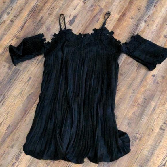 Cold shoulder lace black dress